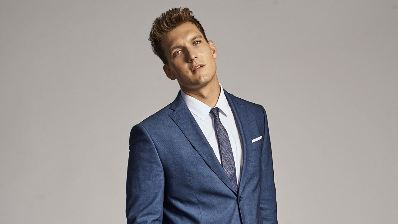 You : Scott Michael Foster rejoint la saison 3.